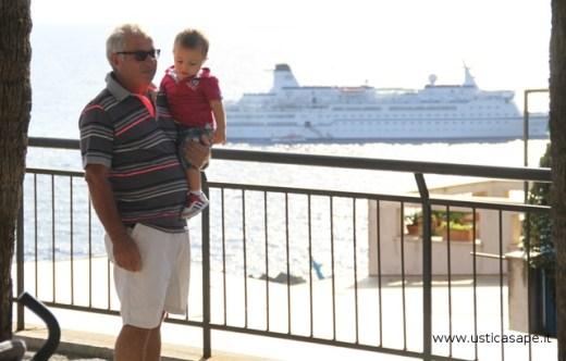 Nonno con nipotino