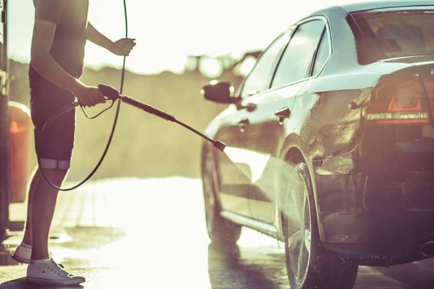 Idropulitrice per pulire pneumatici auto