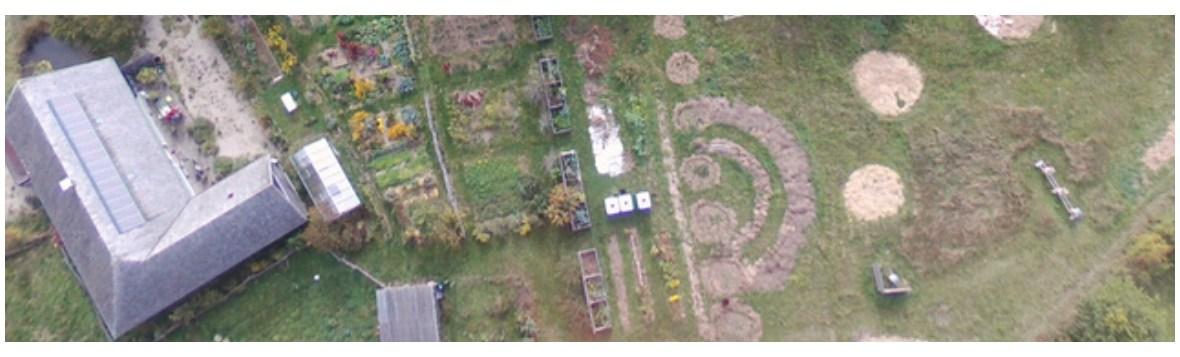 utopaille jardin-restaurant bio-écologique vu du ciel