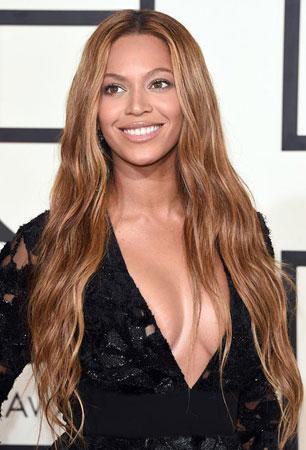 Beyonce – Boho talasi i neutralna šminka