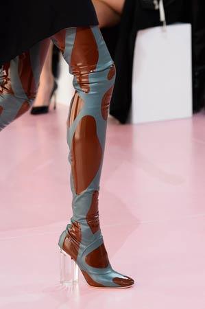 dramaticne cizme iznad kolena