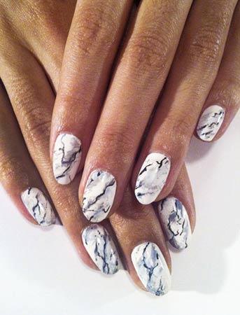 Marble nokti