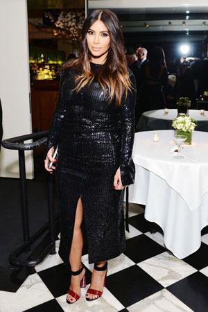 duga slojevita frizura Kim Kardashian
