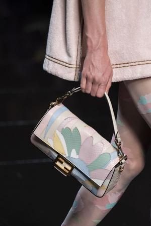 šarena pastelna torba