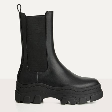 crne cizme sa potplatom