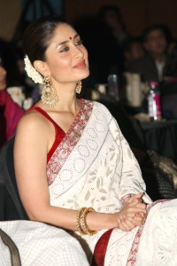 kareena in white saree