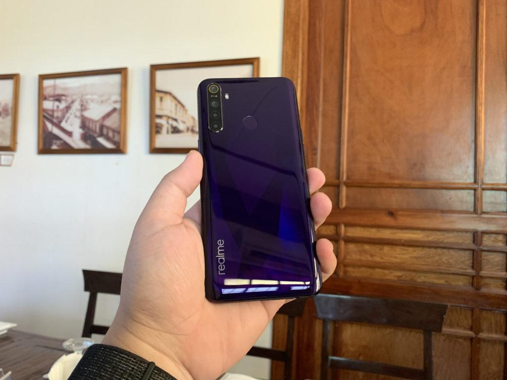 realme 5 review - Crystal Purple color