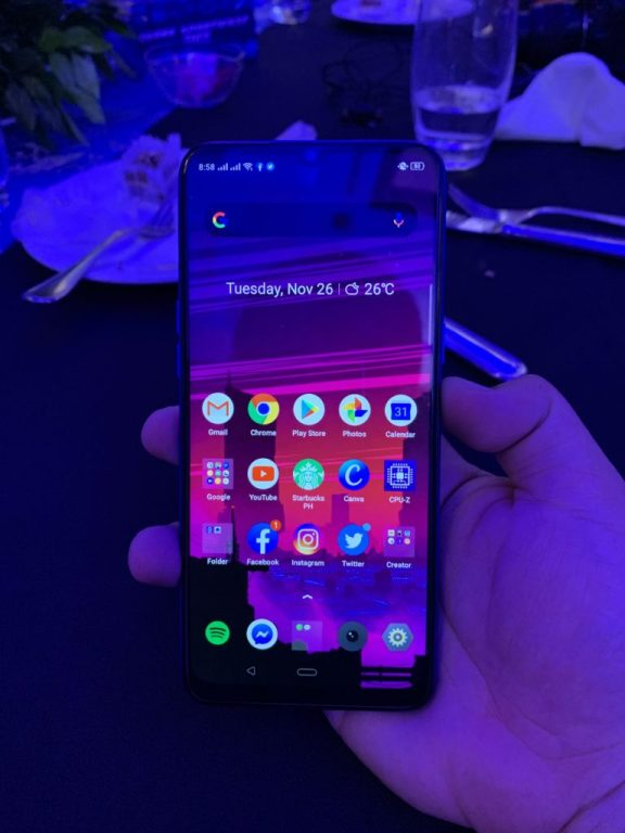 realme 5 first impressions - screen