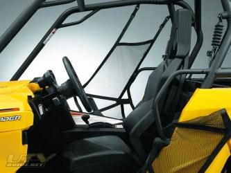 commander1000-adjsteering-seat-1