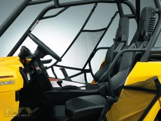 commander1000-steering-seat-2