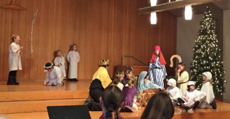 UUC kids in our 2017 nativity tableau