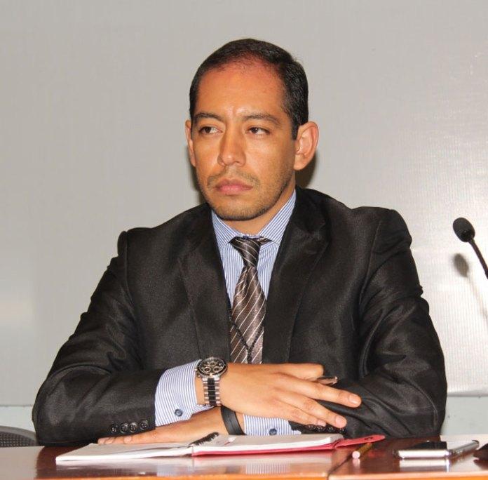 Ernesto Treviño Ronzón, de la UV