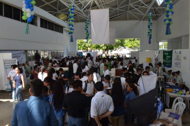 Los jóvenes conocieron los programas educativos de la UV