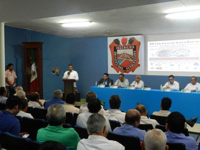Díaz Sobac mencionó que los representantes de las empresas buscan egresados con actitud, talento, responsabilidad y ética