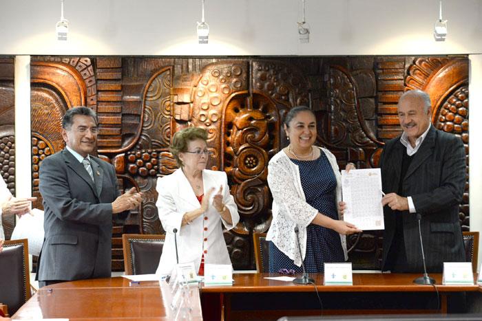 Ante la presencia de la titular de la STPSP, Silvia Edith Mota Herrera, autoridades universitarias y sindicales convinieron seguir defendiendo a la UV