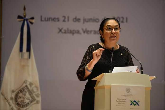 La rectora Sara Ladrón de Guevara expresó que la jornada por la defensa de la UV es el más preciado recuerdo que guarda de su rectorado