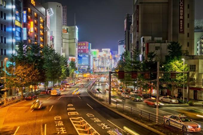東京 夜 街
