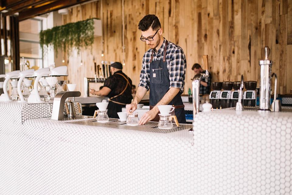 人 男 バーテンダー レストラン ショップ カフェ コーヒー お金 ドル テーブル 眼鏡