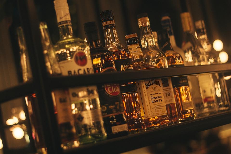 アルコール ドリンク ビーチ ビール Bacardi ハバナ ハバナクラブ レストラン 内部