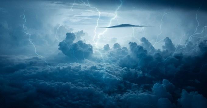 稲妻 嵐 天気予報 空 雷 ストライキ ボルト 電気