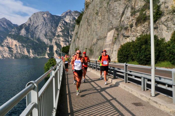 Risultati immagini per lake garda marathon 2016