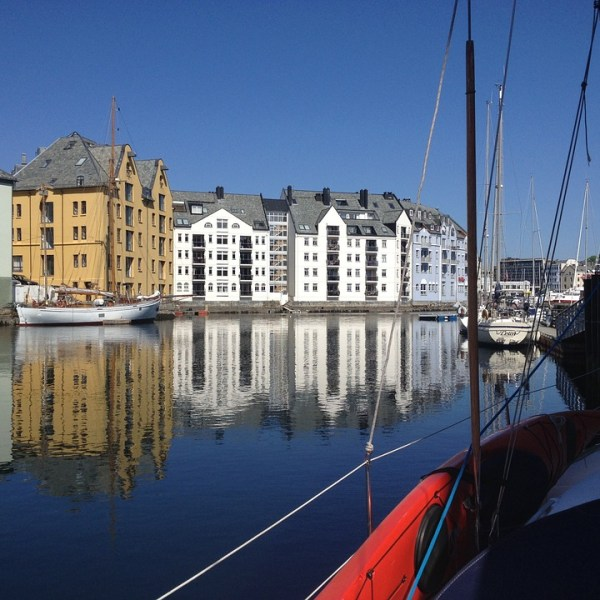 tour scandinavia alesund