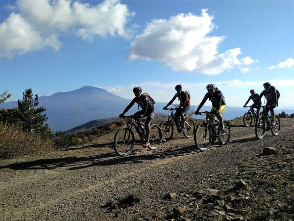 Hike and Bike tour Etna-Mare