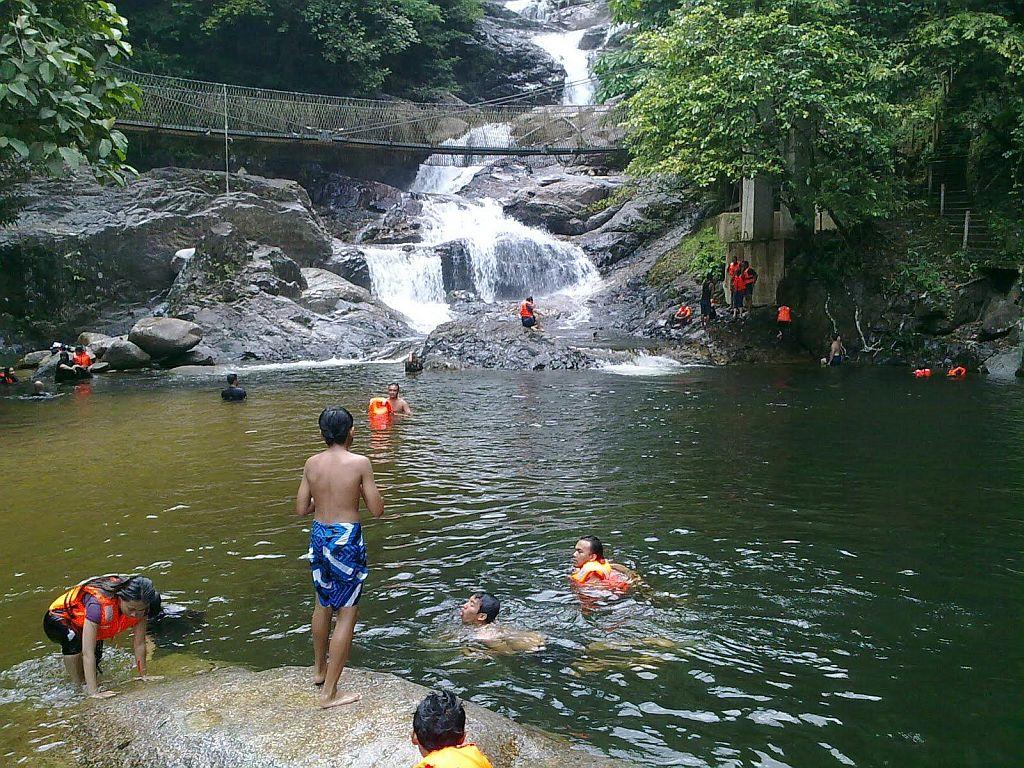 Malaysia Tour Package Lake Kenyir Terengganu
