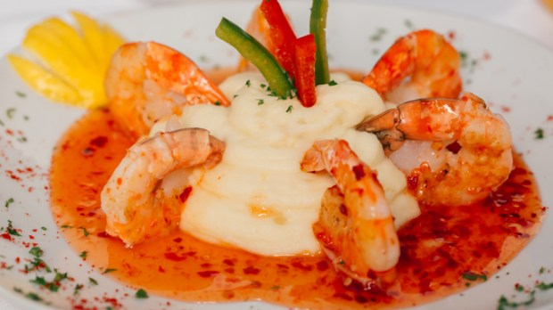 local restaurant in palm beach sweet peppers Aruban Garlic Shrimp