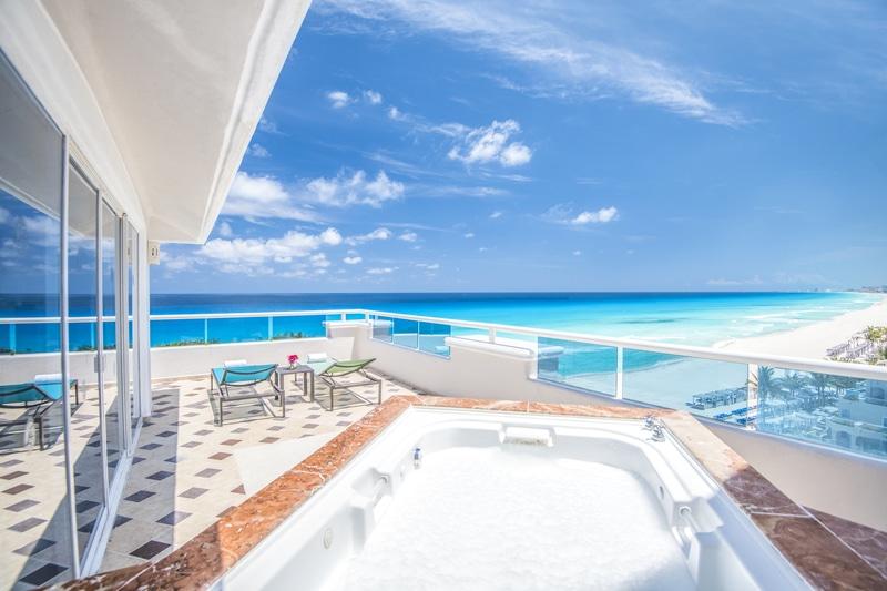Panama-Jack-Resorts-Cancun-Presidential-Suite-Balcony