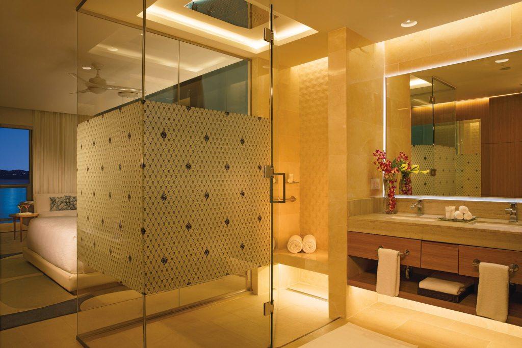 Junior Suite Ocean View Bathroom Night