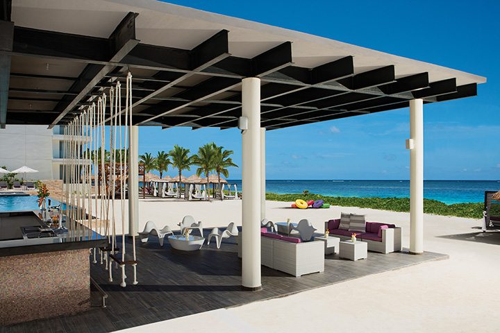 Foam – Seaside Bar.