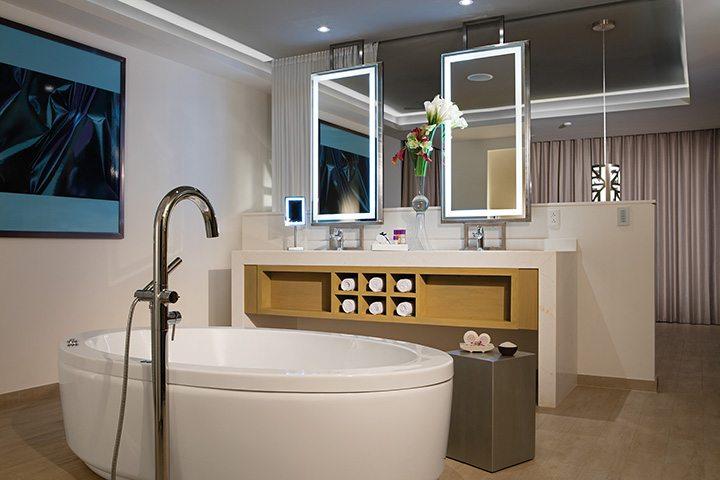 xhale club Presidential Suite bathroom.