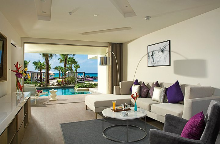 xhale club Master Suite Swimout living room.