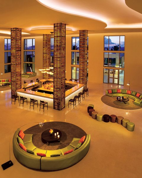 Enjoy the finest cocktails down at the Rendezvous Lobby Bar.