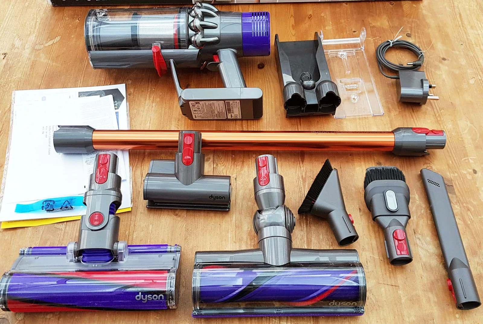 dyson cyclone v10 review and model comparison. Black Bedroom Furniture Sets. Home Design Ideas