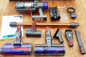 Dyson Cyclone V10 review and model comparison – a gold-medal cordless vacuum