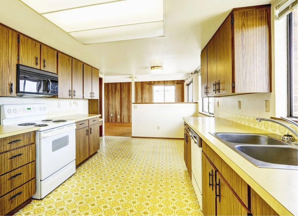 Linoleum flooring in kitchen