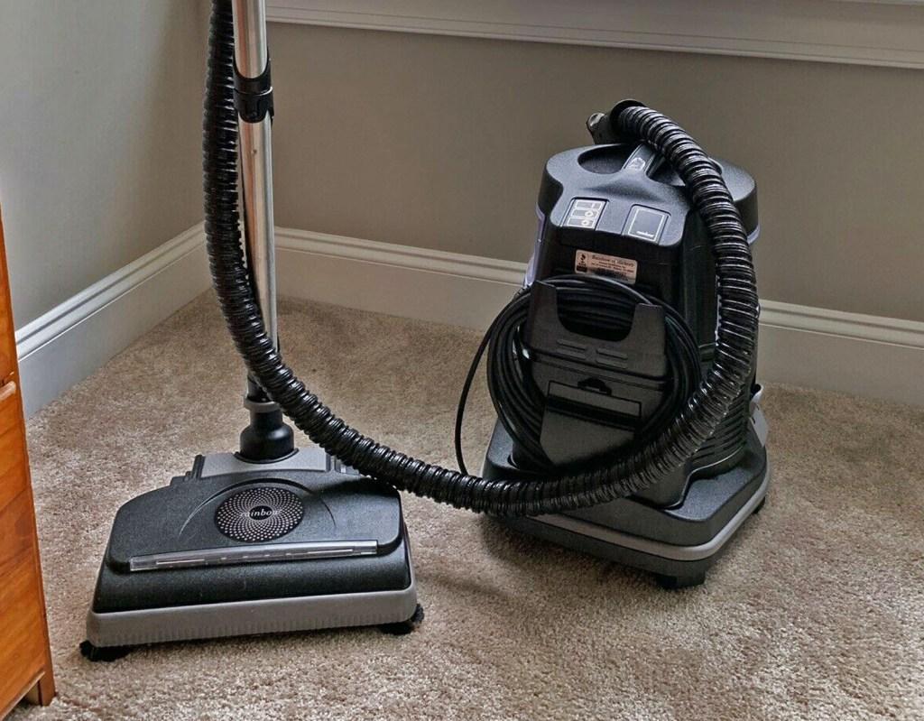 Rainbow E2 Black works great on carpet