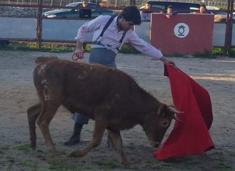 El novillero navarro Javier Marín tienta en El Onsareño (Mallorca)