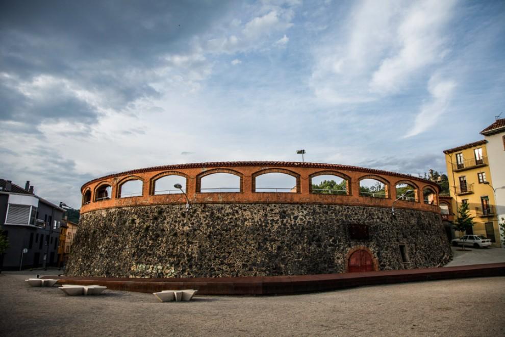 La Fundación del Toro de Lidia intentará organizar un festejo taurino en Olot