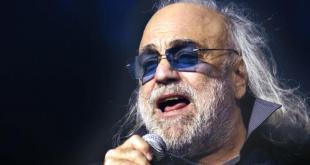 Cantante griego Demis Roussos falleció a los 68 años