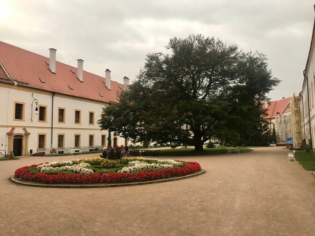 Binnentuin van het kasteel in Decin