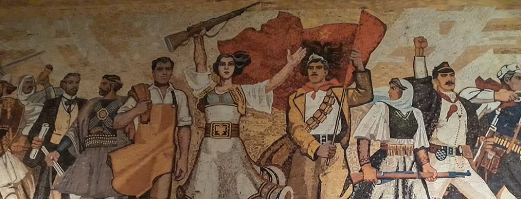 Tirana Mosaico Piazza Skanderbeg, visita guidata di Tirana, Tirana Daily tour