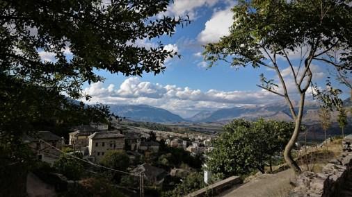 Viaggi e vacanze in Albania, Tour dell'Albania Comunista, Gjirkaster panorama