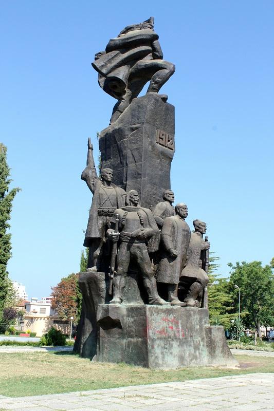 Visitare Valona monumento dell'Indipendenza