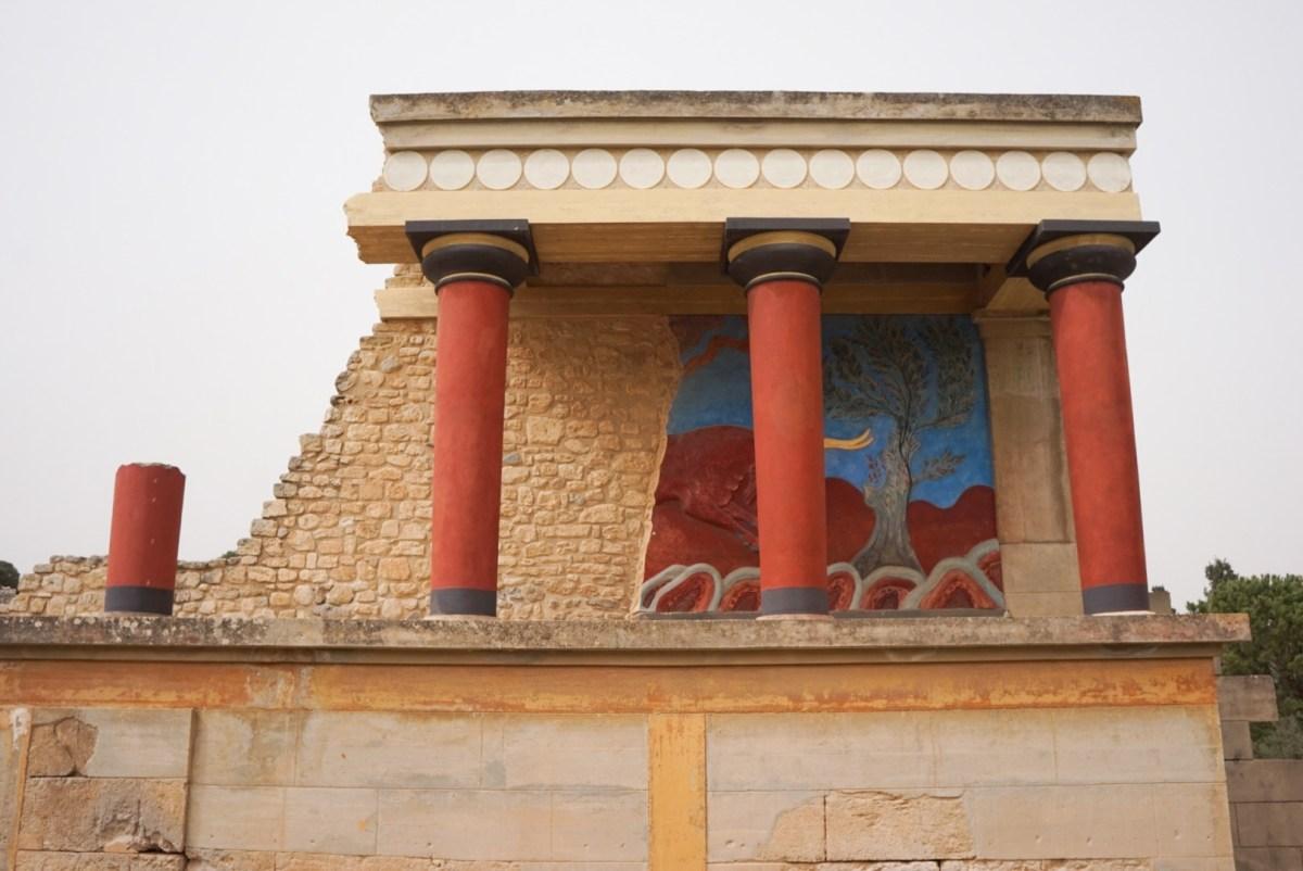 Knossos: Kreetan mielenkiintoisin nähtävyys vai pelkkiä kivikasoja?