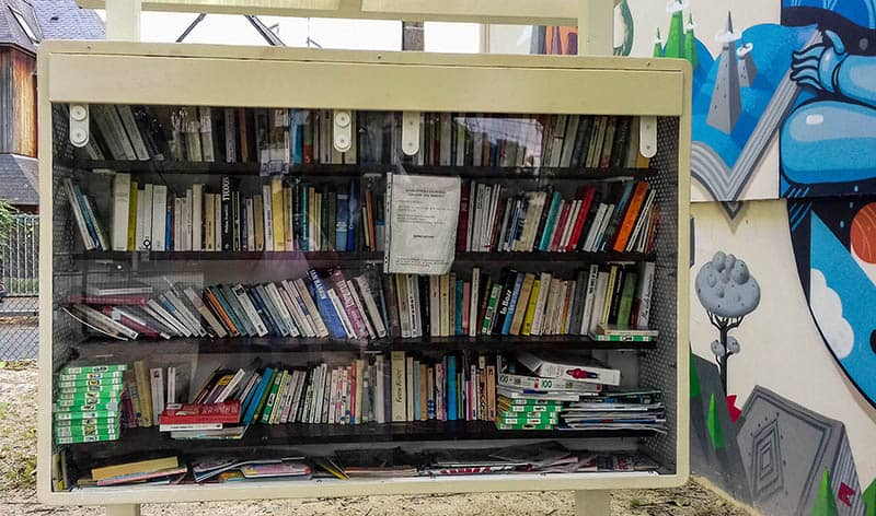 randonn e urbaine rennes entre boite livres et librairie. Black Bedroom Furniture Sets. Home Design Ideas