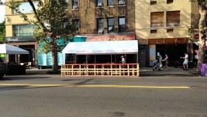 New York City street restaurant