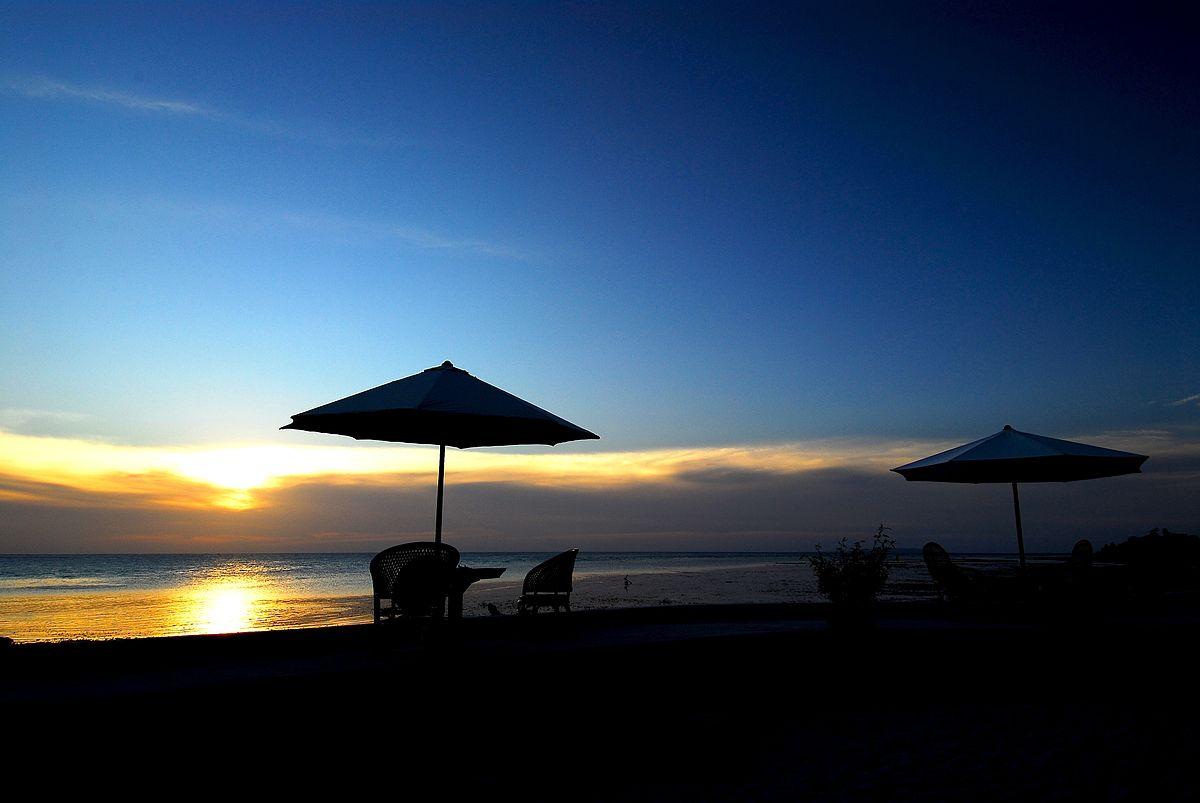 Flickr_-_JennyHuang_-_Wakatobi_Sunset